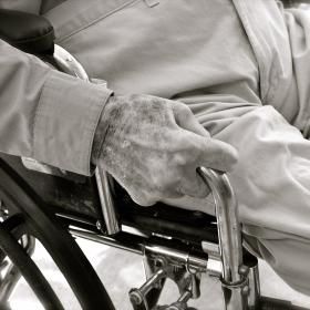 demencja starcza a agresja
