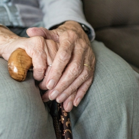 nietrzymanie moczu u seniora